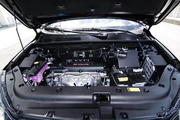 Toyota_RAV4_2.4 E