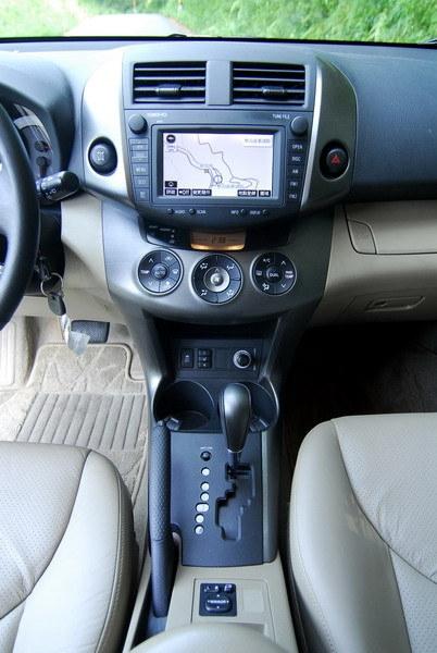 Toyota_RAV4_2.4 4WD 旗艦型