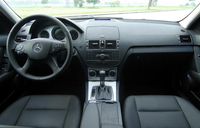 M-Benz_C-Class_C200K T