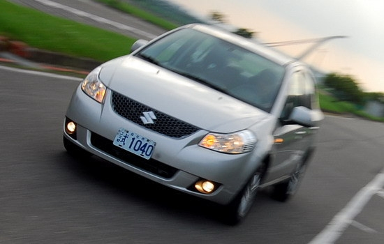 Suzuki_SX-4 Sedan_GLX