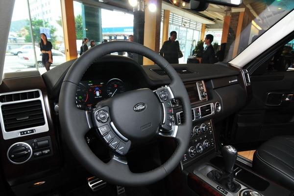 Land Rover_Range Rover_5.0 V8