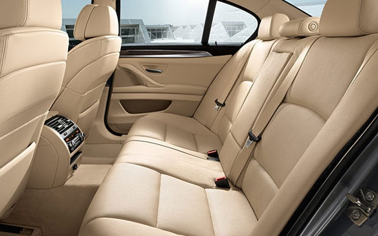 BMW_5-Series Sedan_523i