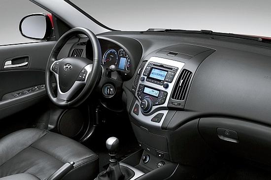 Hyundai_i30_豪華型