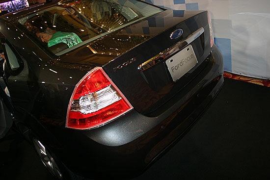 Ford_Focus_Ghia 1.8四門豪華款