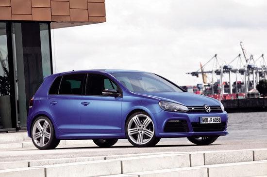 Volkswagen_Golf_R 5D