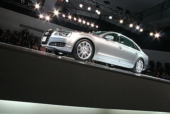 Audi_A8_L V8