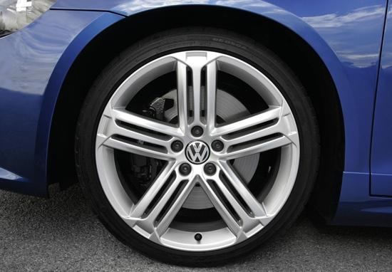 Volkswagen_Scirocco_R