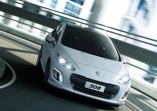 Peugeot_308_1.6 e-HDi Navi