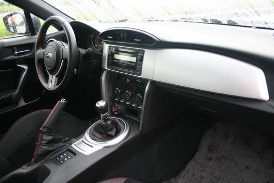 Subaru_BRZ_2.0 6MT