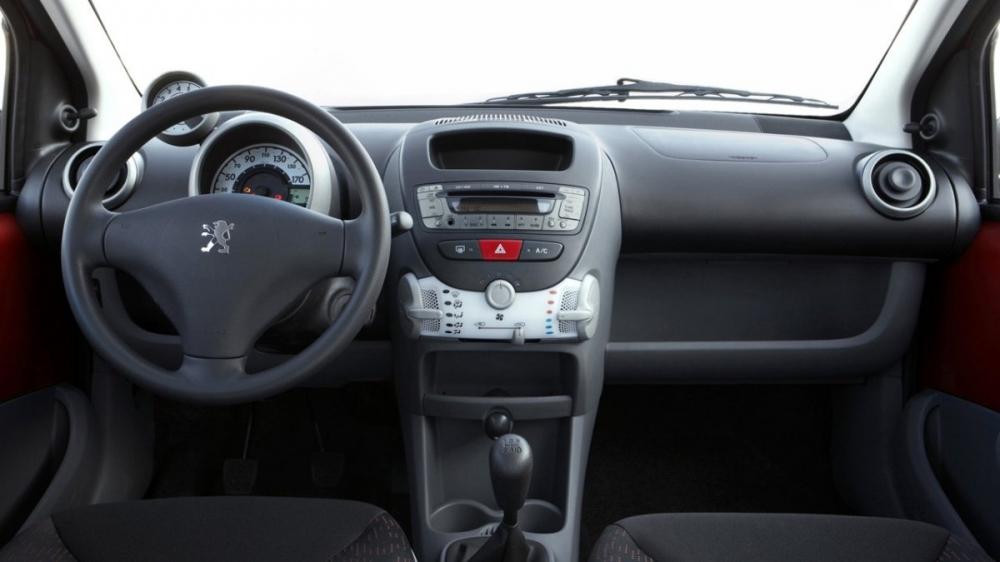 Peugeot_107_左岸魅力版