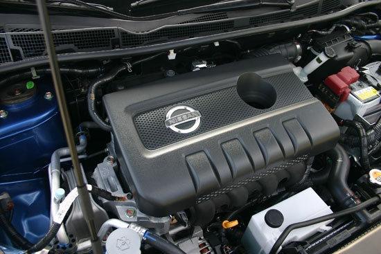 Nissan_Tiida 5D_1.6 SV規