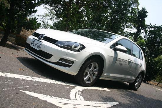 Volkswagen_Golf(NEW)_2.0 TDI High Line