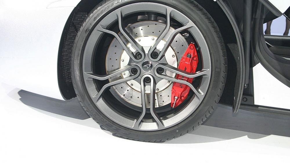 McLaren_12C_V8