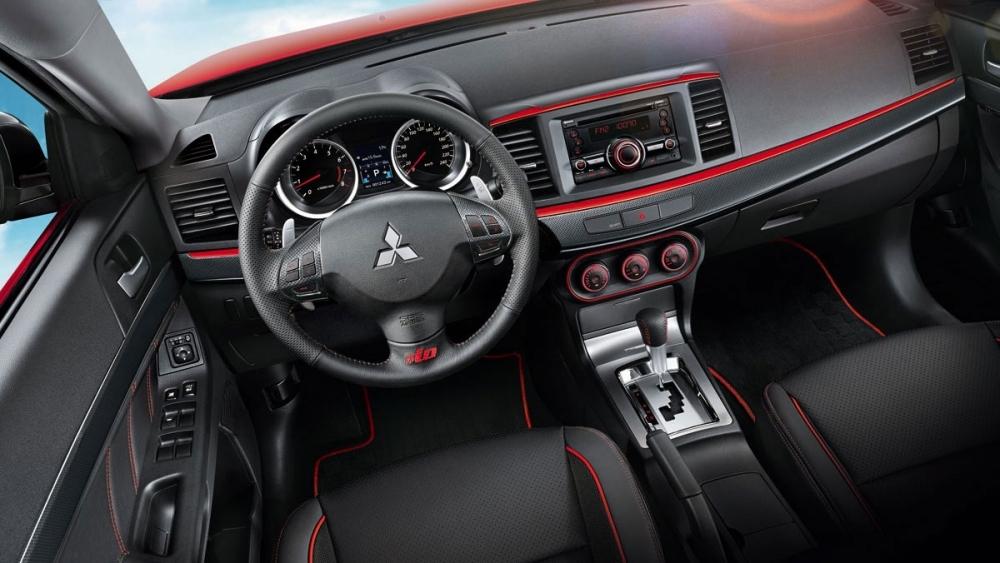 Mitsubishi_Lancer(NEW)_iO 1.8勁動型