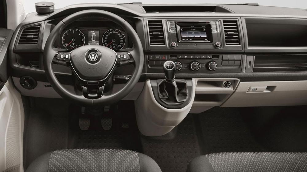 Volkswagen_Caravelle_L 2.0 TDI 75kW M5