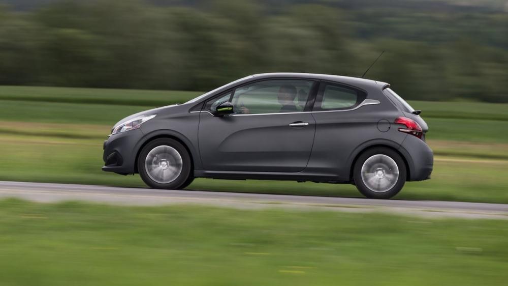 Peugeot_208_1.2 PureTech Allure MT