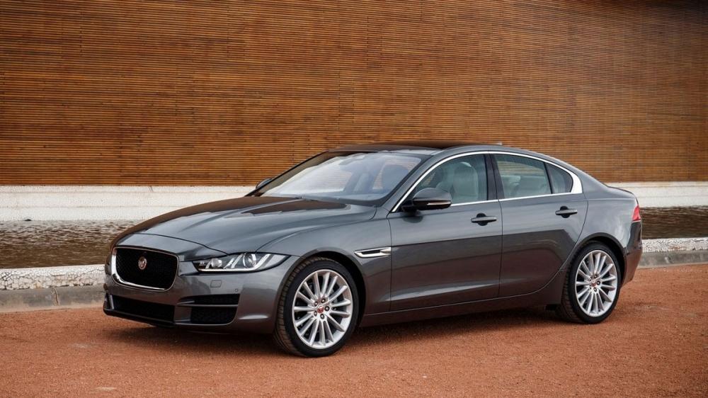 Jaguar_XE_R-Sport 25t