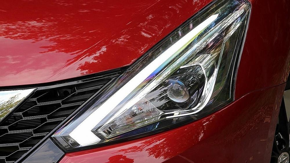 Nissan_Tiida 5D(NEW)_傳奇版