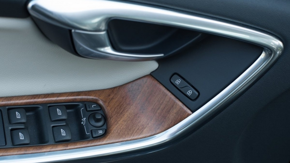 Volvo_XC60_D5安全旗艦版