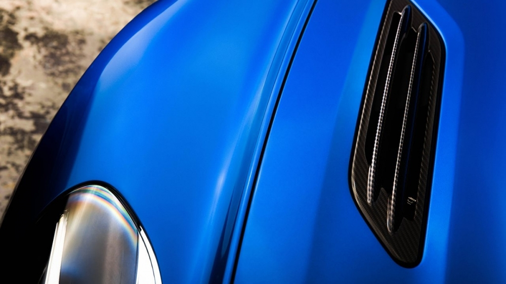 Aston Martin_Vanquish_S 6.0 V12