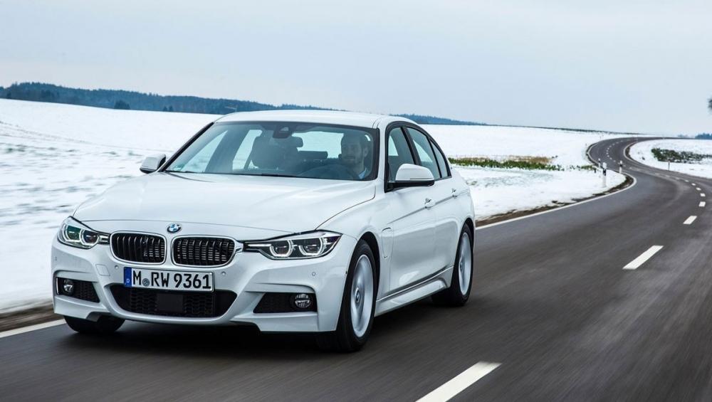 BMW_3-Series Sedan_330e Luxury Line