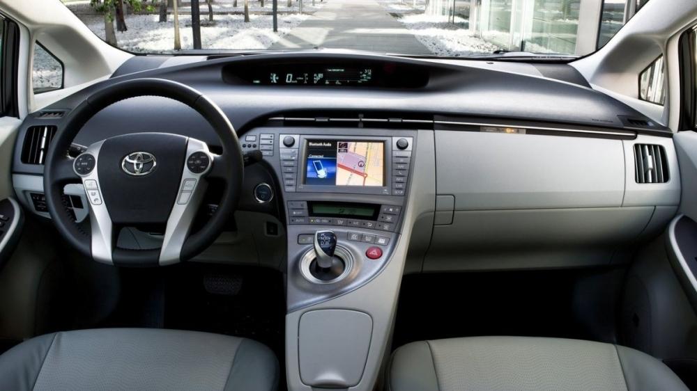 Toyota_Prius_1.8 E