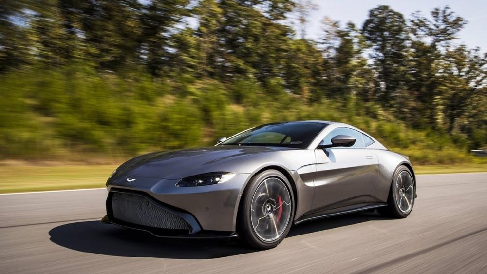 Aston Martin_Vantage_4.0 V8