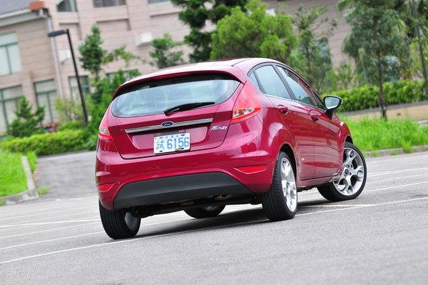 Ford_Fiesta 5D_1.6 Titanium運動版