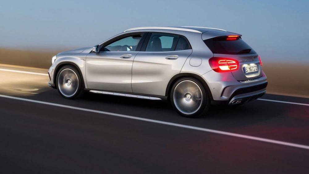 M-Benz_GLA-Class_AMG GLA45 4MATIC