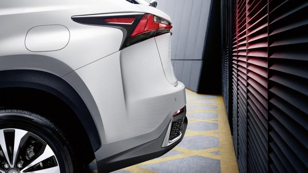Lexus_NX_300h AWD F Sport