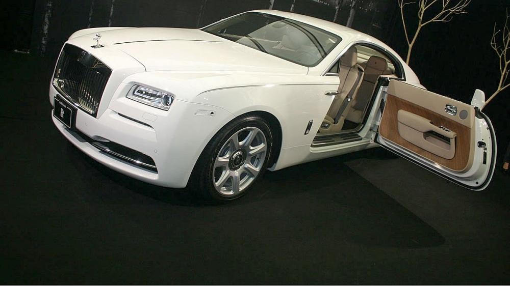 Rolls-Royce_Wraith_6.6 V12