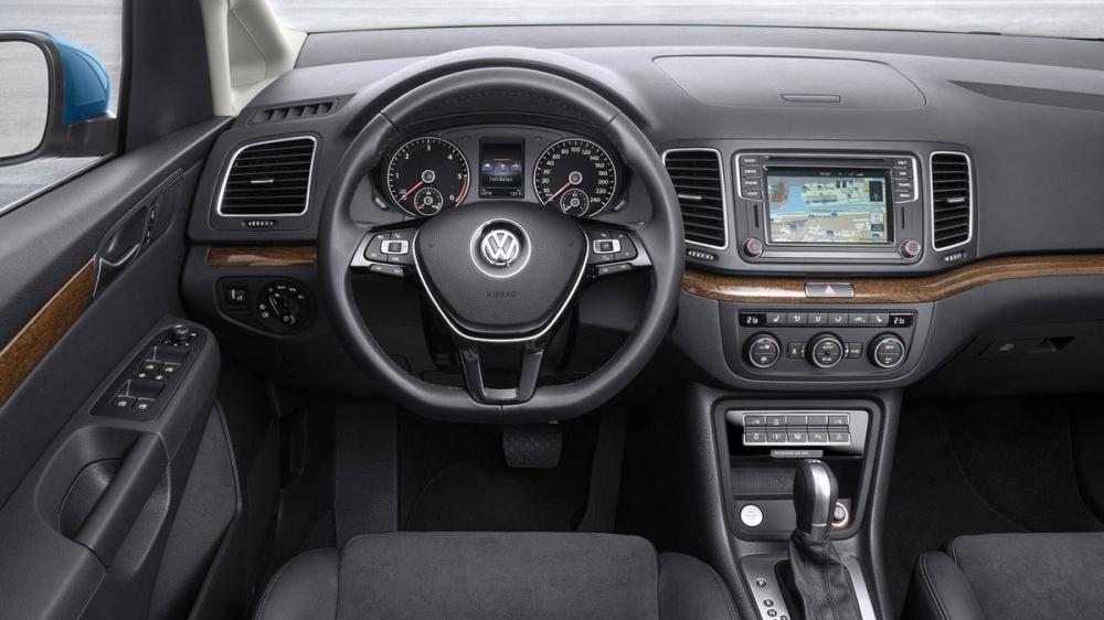 Volkswagen_Sharan_330 TDI BMT Highline六人座