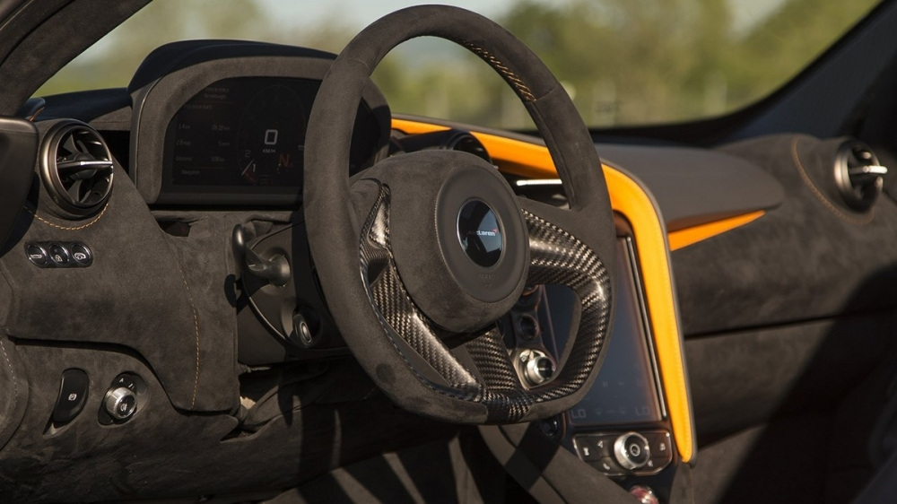 McLaren_720 S_V8