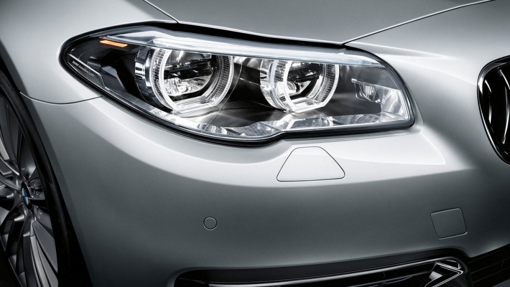 BMW_5-Series Sedan_520i Modern Line