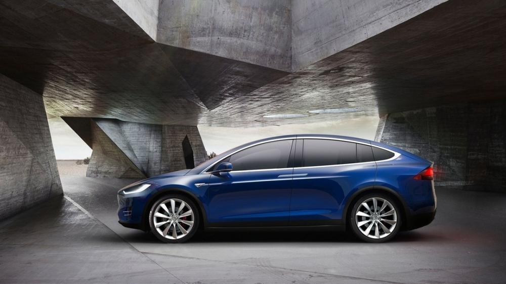 Tesla_Model X_90D
