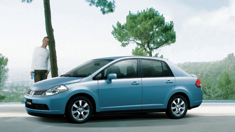 Nissan_Tiida 4D_傳奇版