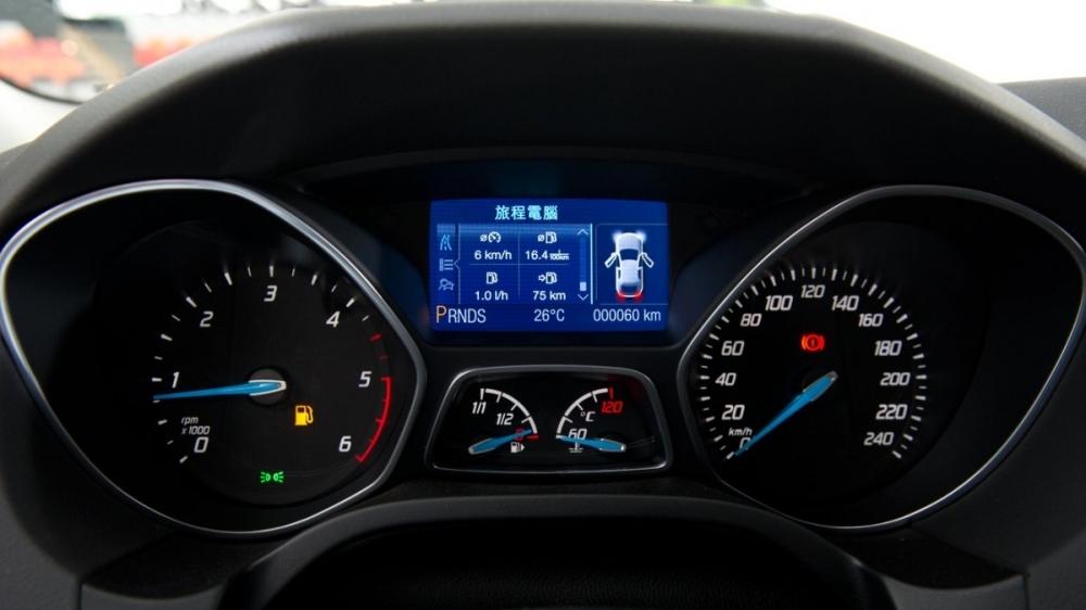 Ford_Focus 5D_2.0汽油運動型