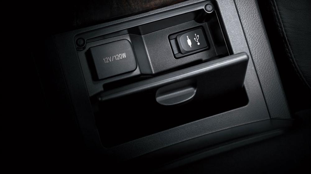 Toyota_Camry_Hybrid旗艦