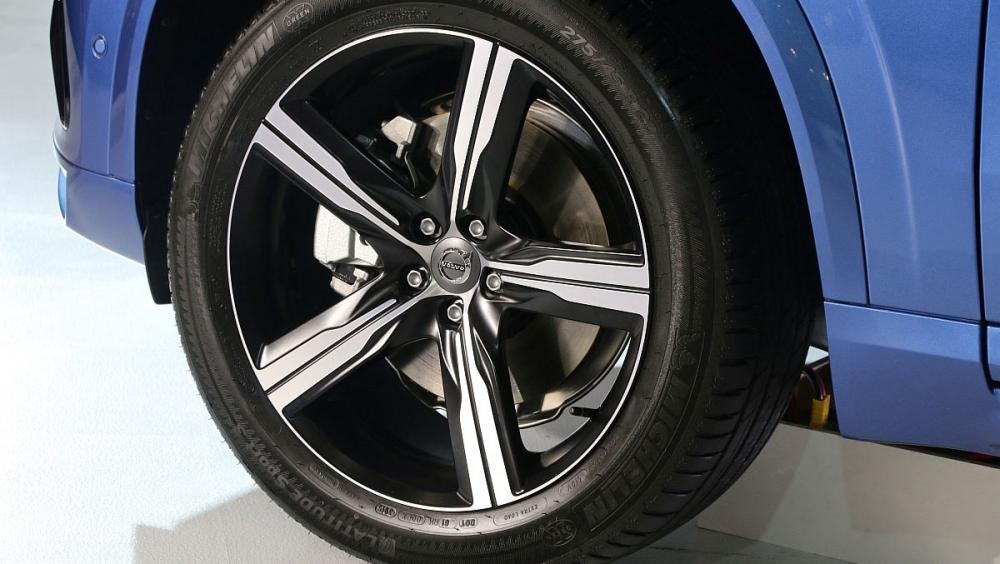 Volvo_XC90_T6 R-Design七人座