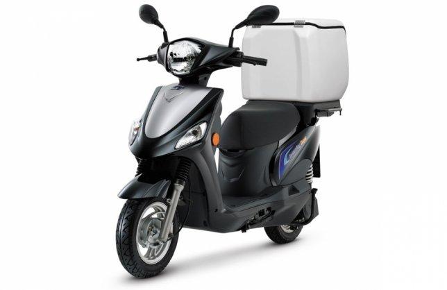 2018 e-moving EM 100B內建充電器