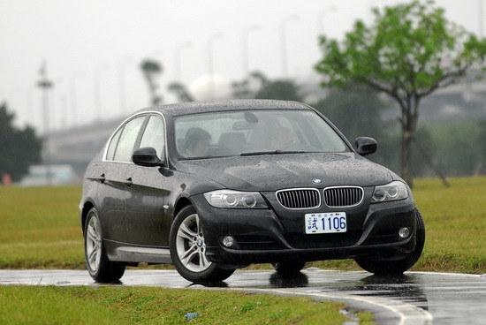 2009 BMW 3-Series Sedan 320i
