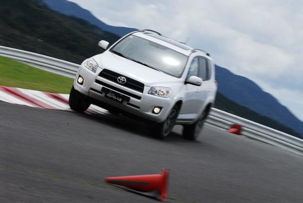 2011 Toyota RAV4 2.4 J