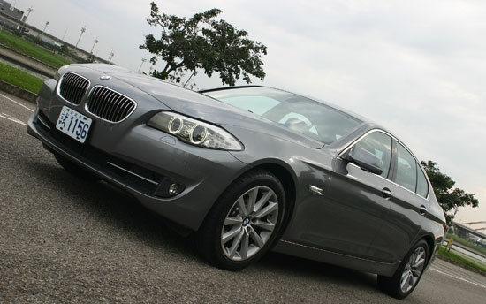 2012 BMW 5-Series Sedan 520d
