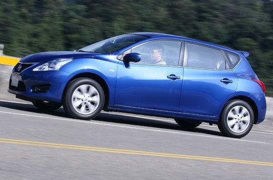 2013 Nissan Tiida 5D 1.6 S規
