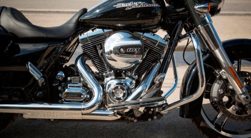 Harley-Davidson_Touring_Street Glide Special