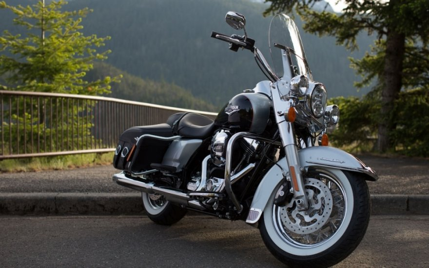 Harley-Davidson_Touring_Road King Classic