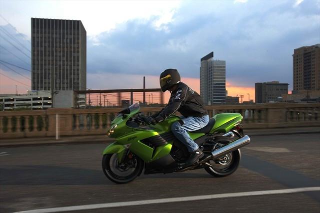 Kawasaki_Ninja_ZX-14
