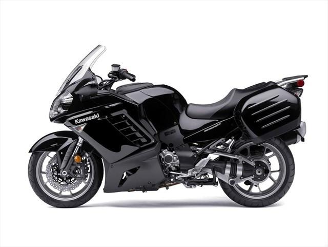 Kawasaki_GTR_1400