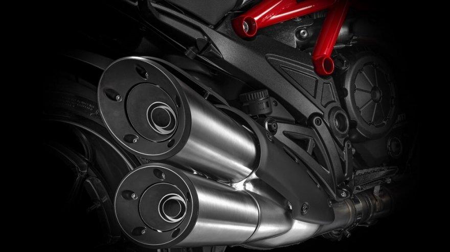 Ducati_Diavel_Carbon