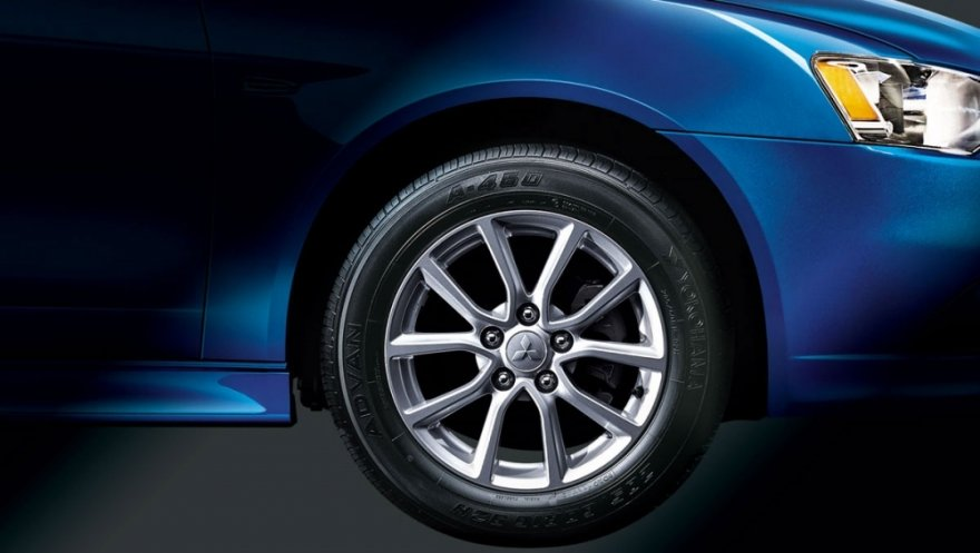 Mitsubishi_Lancer Sportback_1.8炫目版耀眼型